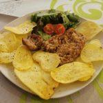 salsiccia-nostrana-con-patate-croccanti